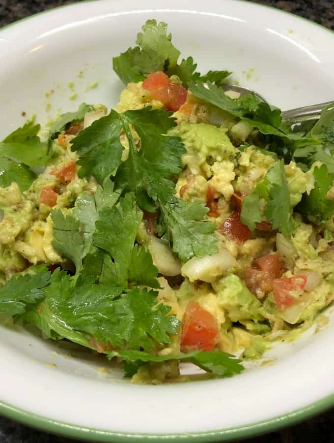 Avocado contains plenty of fiber and it has low-carb. Guacamole makes a great dip which well with corn chips, vegetables such as carrot, pepper and cauliflower. When spread on your favorite bread, it can make a perfect guacamole toast.